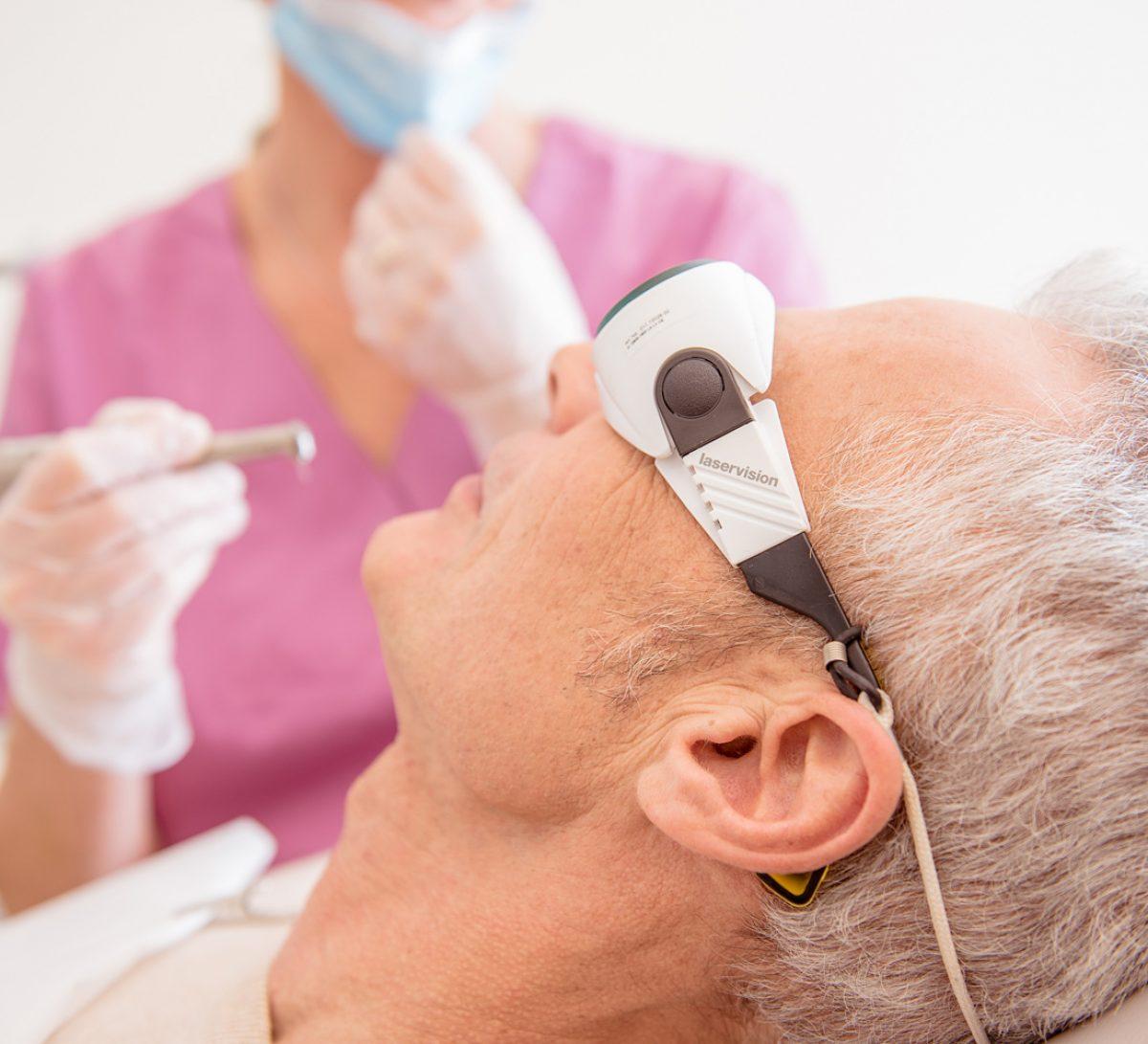 Laserbehandlung in der Zahnarztpraxis Sabine Quack, Berlin Friedrichshain